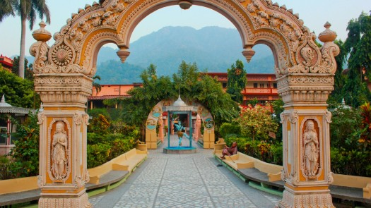 ashram-rishikesh-1920x1080